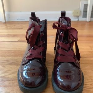 Patent leather burgundy boot